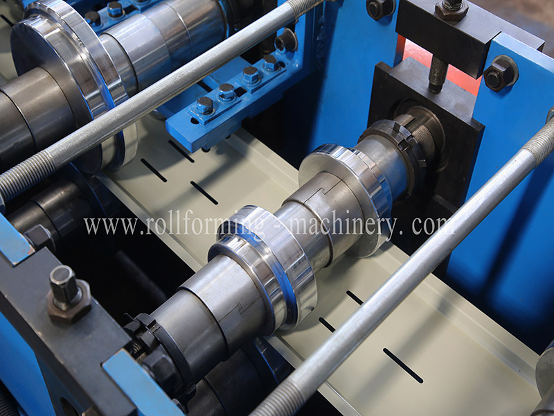 Metal Ceiling Plate Roll Forming Machine